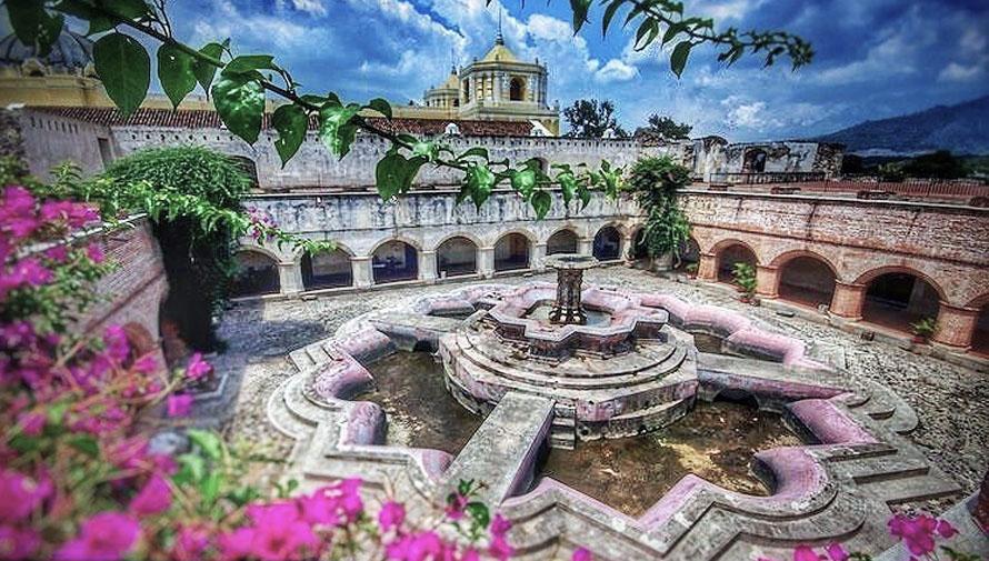 Fuente del Convento La Merced en Guatemala