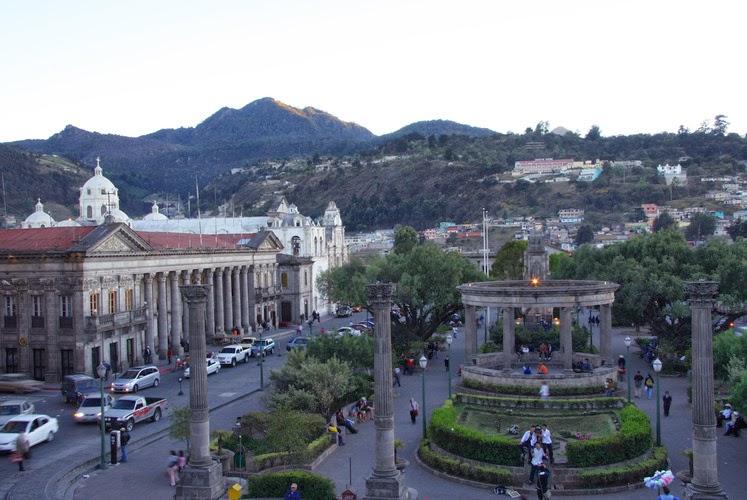 Xela Quetzaltenango Guatemala viéndose desde arriba