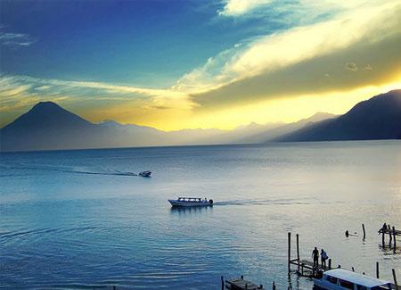 vista en la mañana de Panajachel en Guatemala